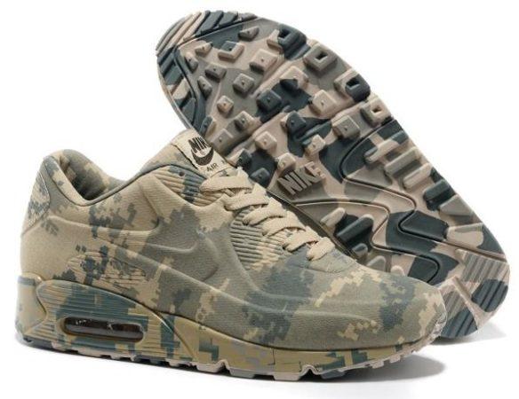Камуфляжные кроссовки Nike