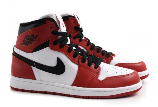 Nike Air Jordan 1 Retro красно-белые (35-45)