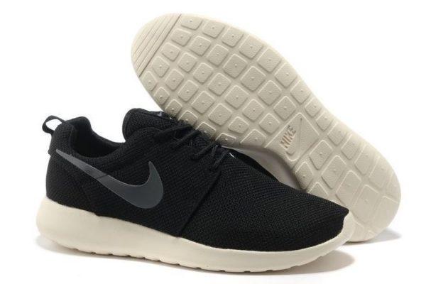 Nike Roshe Run черно-белые (35-44)