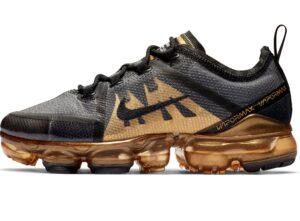 Nike Air VaporMax 2019 черно-золотые 40-44