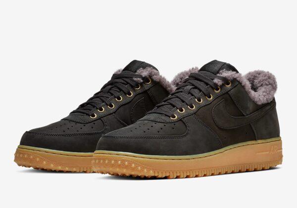Зимние Nike Air Force 1 с мехом черные замшевые мужские (40-44)