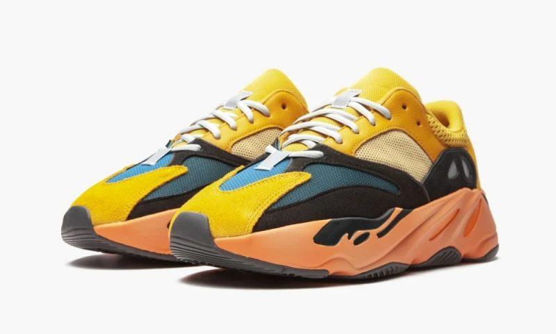 Adidas Yeezy Boost 700 Sun желтые с черным и синим замшевые мужские-женские (35-44)
